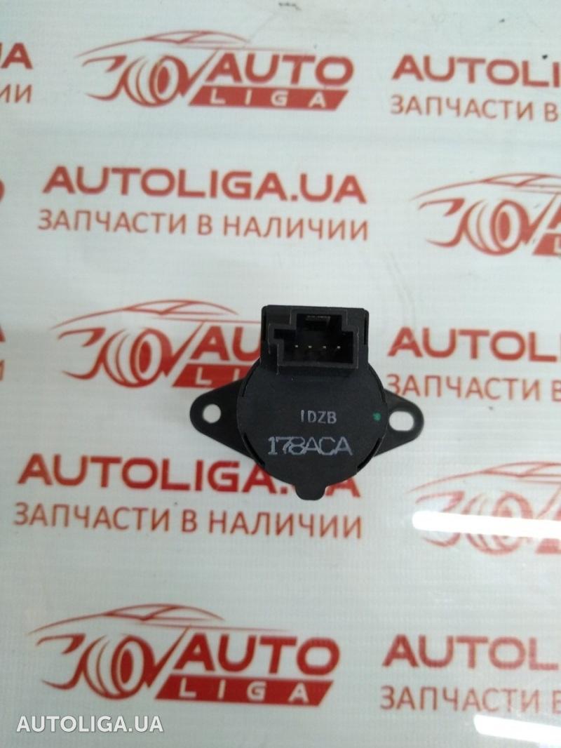 Датчик температуры воздуха DODGE Ram 55111178AC
